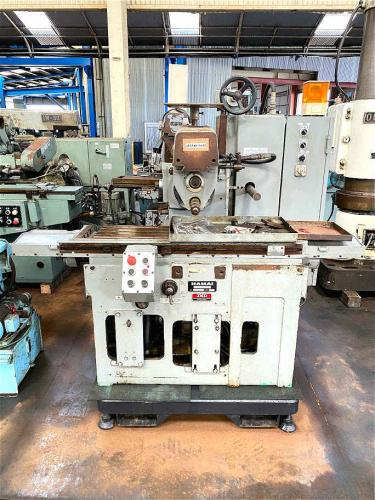 生産フライス盤 Manufacturing Milling Machine